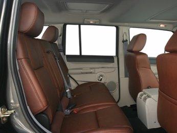 Jeep Wrangler Interior >> 2007 Jeep Commander Overland